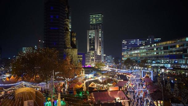 Weihnachtsmarkt an Berliner Gedächtniskirche geöffnet