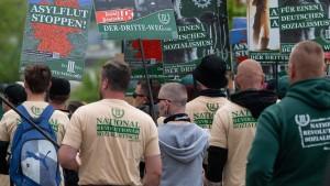 Staatsanwaltschaft muss zu Wahlplakaten in Zwickau ermitteln
