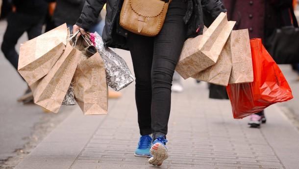 """""""Wir glauben, dass Konsum uns gesellschaftlich und beruflich voranbringt"""""""