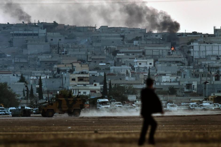 Kobane - fotografiert von der Türkei aus