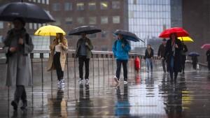 Wolken, Regen, Wind und steigende Temperaturen