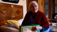 Steinalt und putzmunter, das geht: Emma Morano, die derzeit älteste Frau der Welt, zu Hause in Verbania am Lago Maggiore.