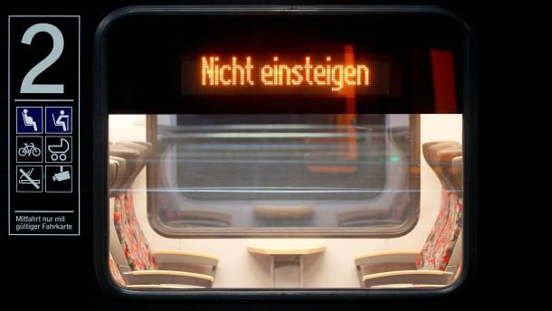 Rund jeder dritte DB-Fernzug soll fahren
