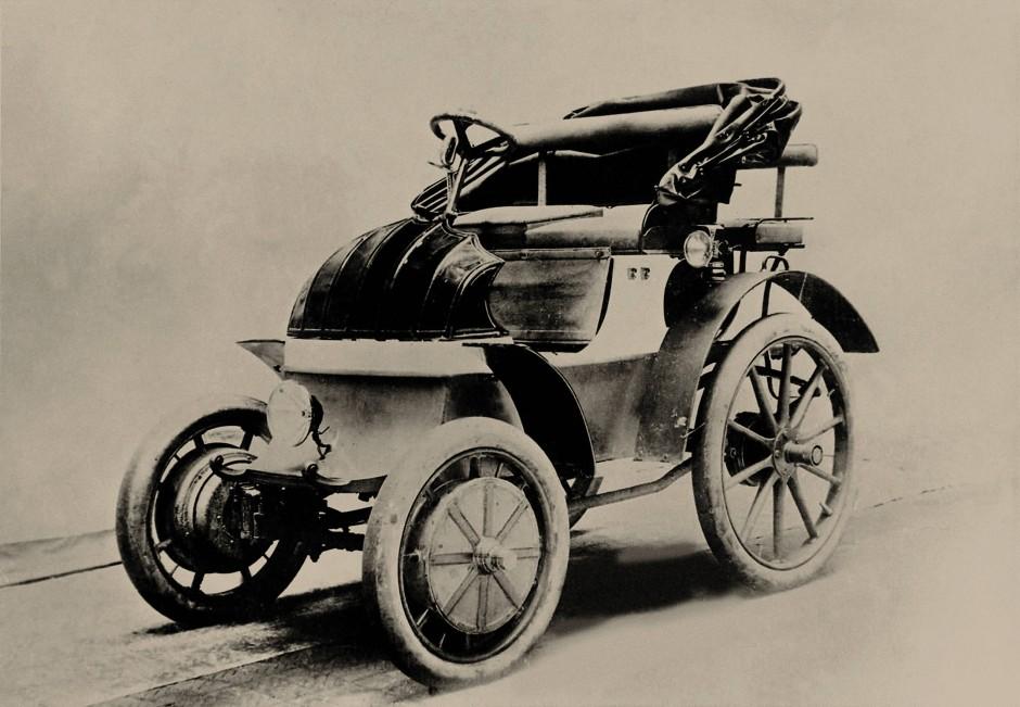 """Gestern: Im Jahr 1900 zeigen Ferdinand Porsche und Ludwig Lohner den """"Elektrischen Phaeton""""."""