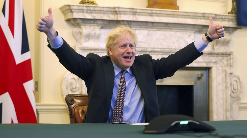 Boris Johnson, Premierminister von Großbritannien, jubelt nach der erzielten Einigung in den Brexit-Verhandlungen.