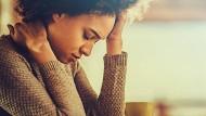 Viele Symptome, eine Krankheit: Menschen mit Multipler Sklerose leiden oft auf verschiedenen Wegen unter der neurologischen Erkrankung.