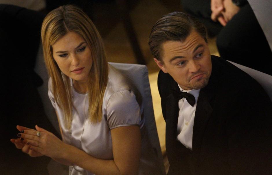 Die Austauschbarkeit der Frauen an der Seite von Leonardo DiCaprio - hier 2010 mit dem Model Bar Refaeli - verrät viel über männliche Bindungsbereitschaft.