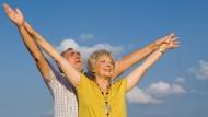 Mithilfe einfacher Tricks lässt sich die Gesundheit auch bis ins hohe Alter genießen.