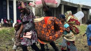 Zehntausende Menschen fliehen aus Goma