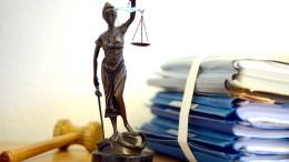 Gericht verhandelt tödliche Messerstiche auf Ehefrau