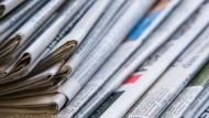 Starker Verbrauch: Trotz sinkender Auflagen vieler Zeitungen und Magazine ist Papier noch immer gefragt.