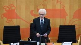 """Alterspräsident Kahnt fordert Ende der """"Ausgrenzeritis"""""""