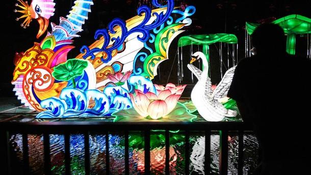 Magische Leuchtfiguren in Estland