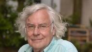 Helmut Letten, geboren 1939 in Moenchengladbach, Deutschland. Germanist und Kulturwissenschaftler und Autor zahlreicher Buecher.