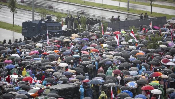 Massenproteste gegen Lukaschenko halten an