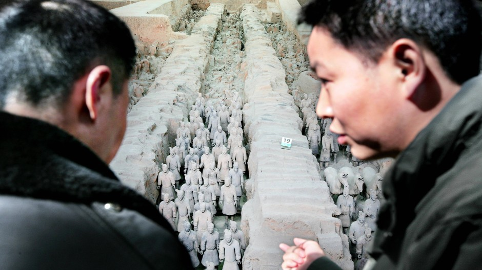 Was zeigt uns China da? Dass ihm Hohlköpfe sympathisch sind. Tilman Spengler spinnt eine geistreiche Archäologiegroteske um die Terrakotta-Armee.