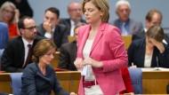 Oppositionschefin Klöckner greift die Ministerpräsidentin an – Dreyer warf den Chinesen kriminelle Absichten vor.