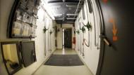 Bis 1992 sollte das Land Bayern bei einem drohenden Atomschlag aus diesem Bunker heraus regiert werden.