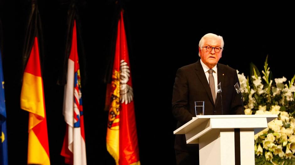 Frank-Walter Steinmeier sprach bei der offiziellen Gedenkveranstaltung für die Opfer des rassistischen Attentats von Hanau.