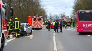 13 Verletzte bei Unfall mit Linienbus