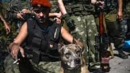 Separatisten bestrafen Zivilisten mit Zwangsarbeit