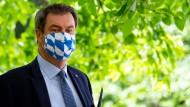 Ministerpräsident Markus Söder will kostenlose Massentests auf das Coronavirus in Bayern ermöglichen