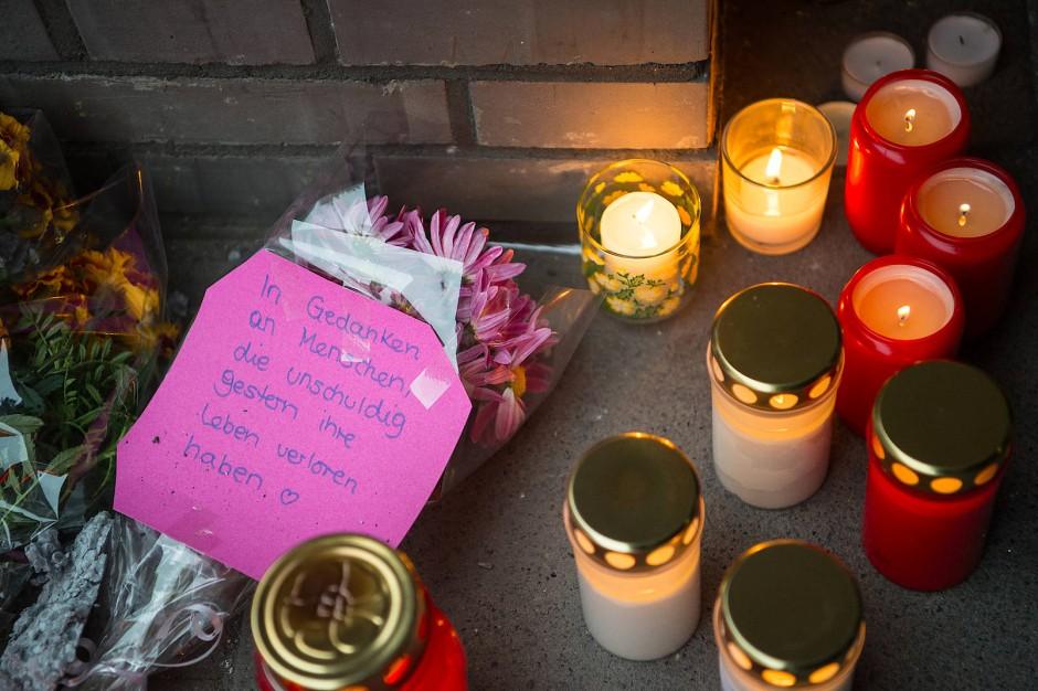 Gedenken an der Unfallstelle: Nach dem Unfall bekundeten viele Bürger ihr Mitgefühl.