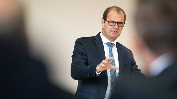 Früherer Topbeamter führt künftig Netzbetreiber 50Hertz