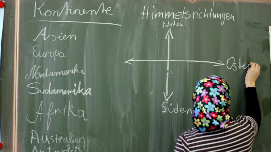 Nicht pauschal zu verbieten: Kopftücher im Unterricht