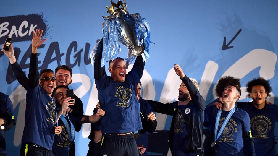 Manchester City schnappt Liverpool Pokal weg
