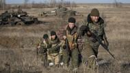 Armee setzt Abzug schwerer Waffen aus