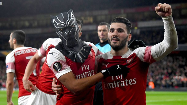 Chelsea mit Kantersieg, Aubameyang mit Maske