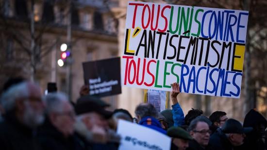 Tausende gegen Antisemitismus