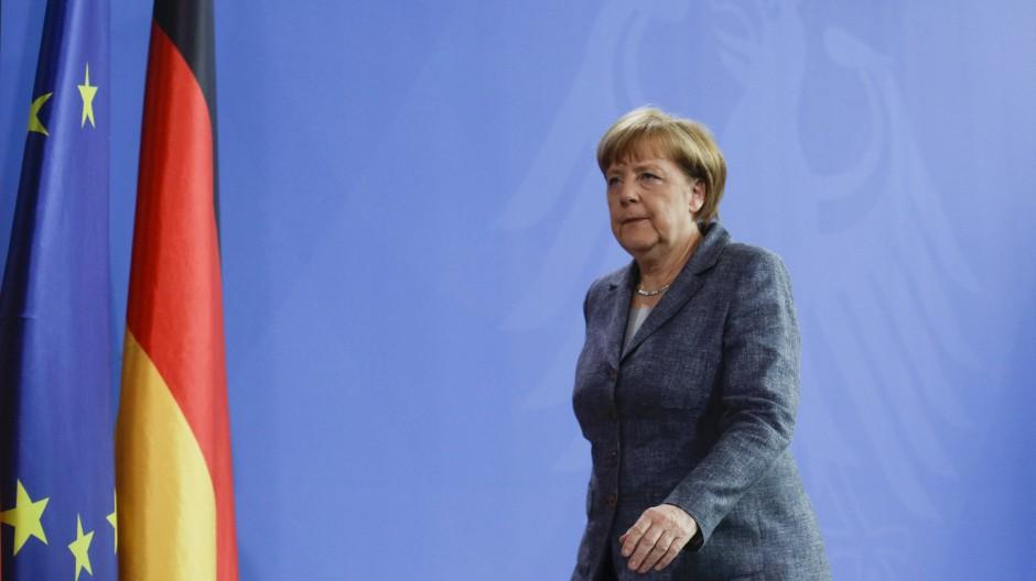 Merkel gesteht Fehler im Fall Böhmermann ein