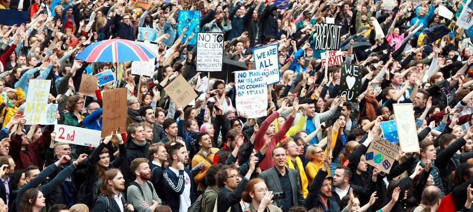 Junge Leute Engagieren Sich Wieder Politisch