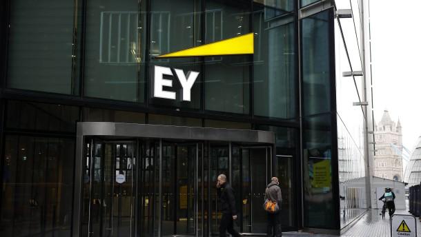 Banken prüfen EY-Klage