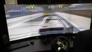 Im Simulator: Plastisch und frei von Stegen wird die Sicht erst mit 3D-Brille