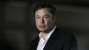 Musk tritt als Tesla-Verwaltungsratschef zurück