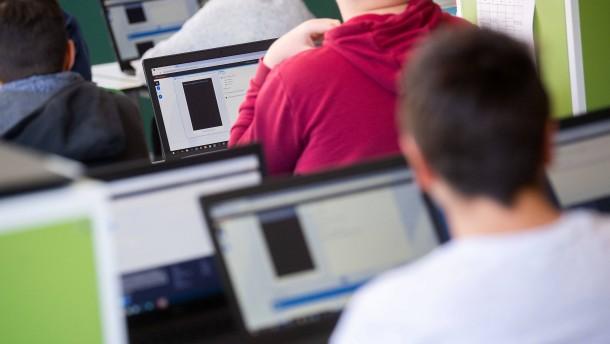 Programmieren und digitale Wirtschaft als Schulfächer