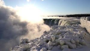 Arktische Kälte lässt Niagara-Fälle gefrieren