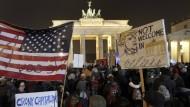 Demonstration gegen Hass und gegen Trump
