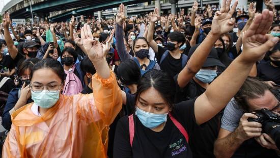 Proteste in Thailand dauern weiter an