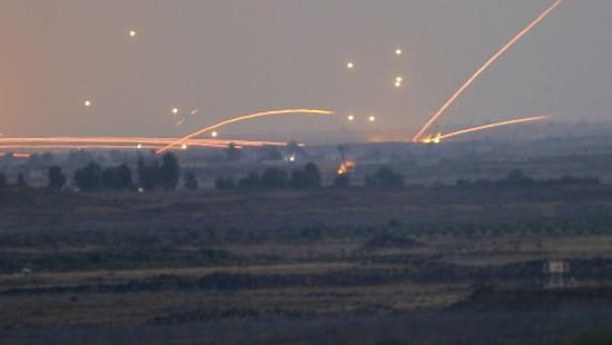 Syrisches Flugzeug über Golanhöhen abgeschossen