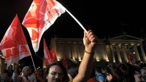 Opposition droht mit Unruhen