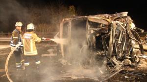 Vater und drei Kinder sterben bei Unfall