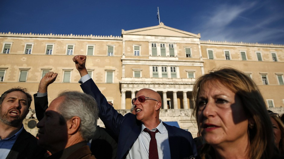 Reform-Proteste vor dem Parlament in Athen.
