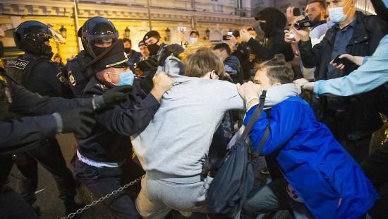 Mehr als 140 Menschen in Moskau festgenommen