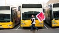 Warnstreiks bremsen Nahverkehr in NRW aus