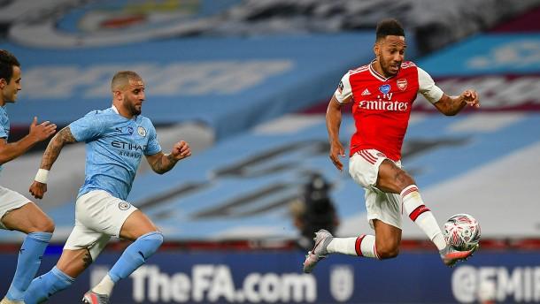Arsenal überrascht Manchester City und steht im Pokalfinale