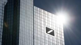 Deutsche Bank verdient überraschend viel